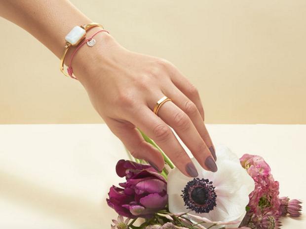 Arriva-il-primo-bracciale-gioiello-che-funziona-come-uno-smartwatch_image_ini_620x465_downonly